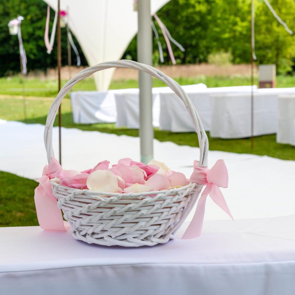 Heiraten auf der Halbinsel am Schloss Raesfeld unter freiem Himmel